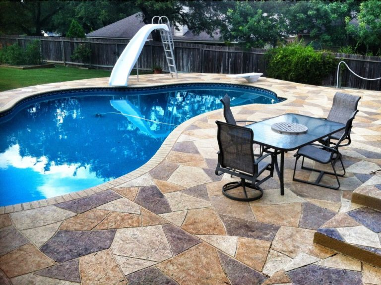 privacy panel for stamped concrete pool deck