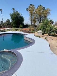 pool-deck-with-classic-texture-coating